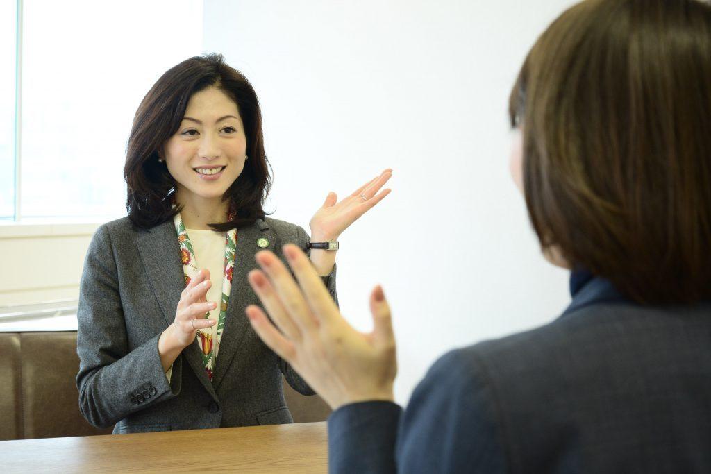 聴覚障害がある方の「情報バリア」を解消するには? ~今、企業・自治体に求められていること~ 開催レポート