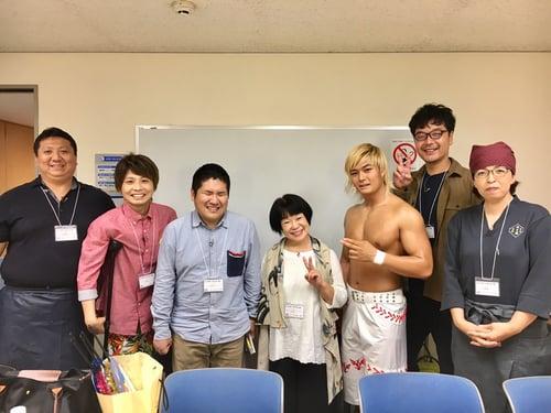 全盲の講師・原口淳が、NHKのバラエティ番組に出演しました