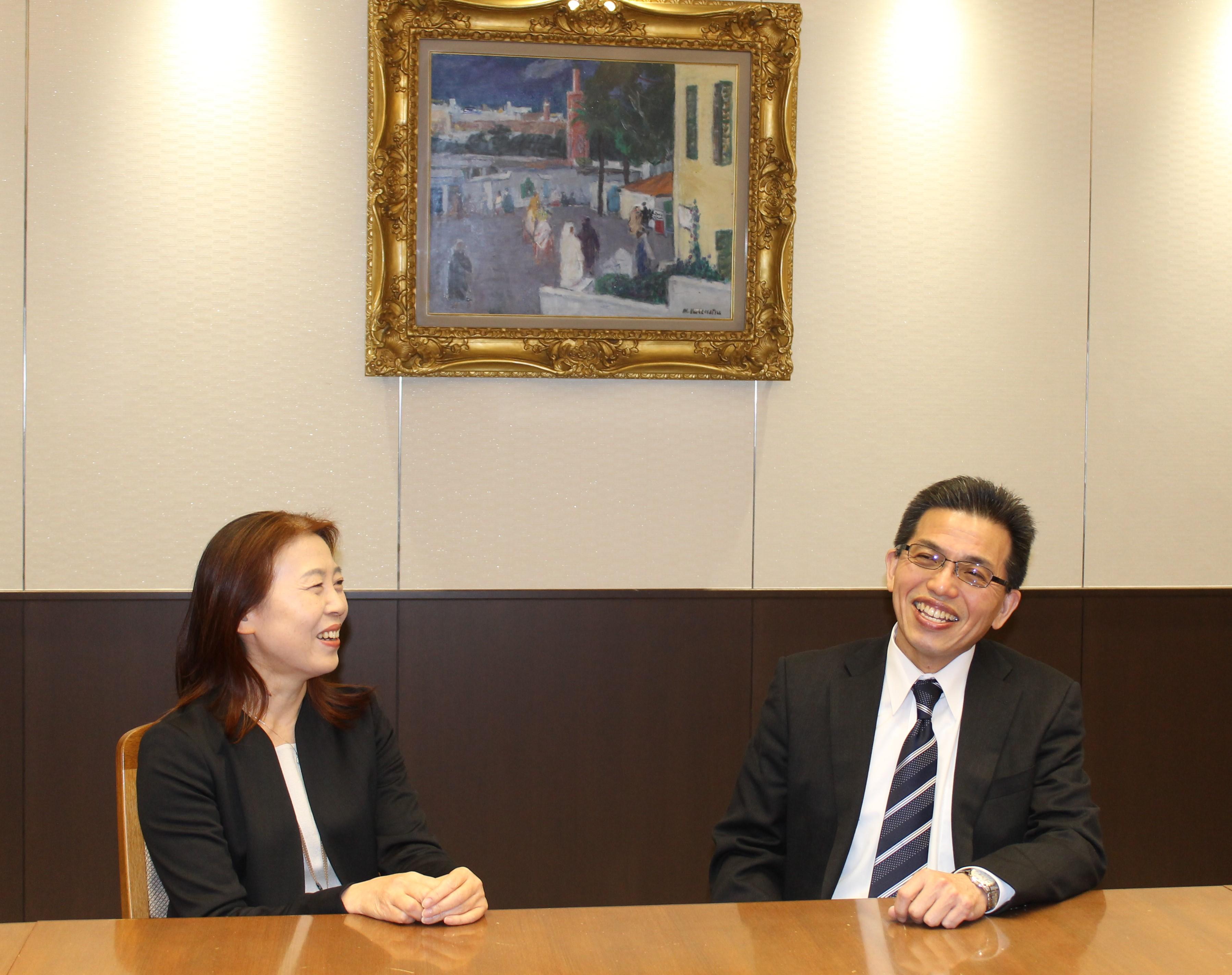 東京高速道路株式会社の企画統括部長の花木様(左)と総務部長の長谷川様(右)